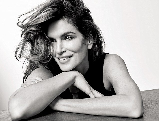 30C50F6F00000578-3425625-Legendary_career_Cindy_Crawford_celebrates_turning_50_with_a_pho-m-2_1454282657012