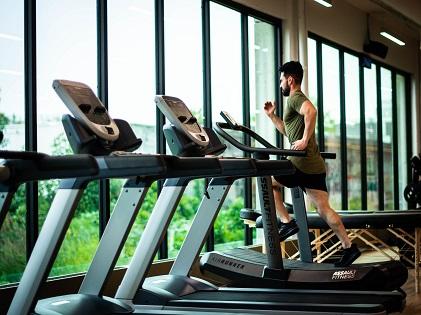 man treadmill workout