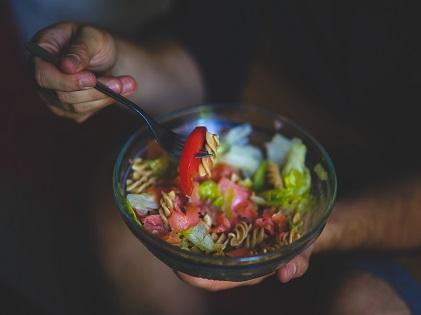 eating food salad healthy