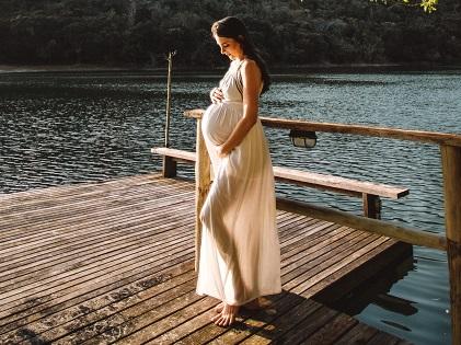 pregnant woman wearing dress